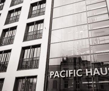 Porträt-Fotoshooting im Pacific Haus in Hamburg